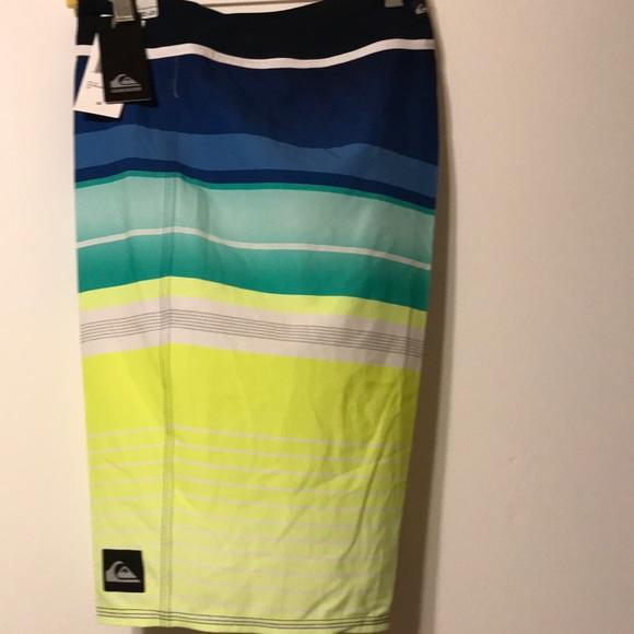 8d2ec8ed99 NWT Quiksilver Surf shorts